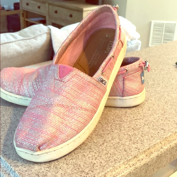 Toms Other - TOMs kids shoes in sparkle pink